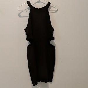 Dresses & Skirts - Cut out black body con dress